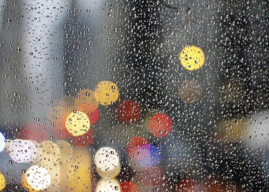 Καιρός: Από σήμερα πτώση της θερμοκρασίας και κακοκαιρία - HerNews.gr
